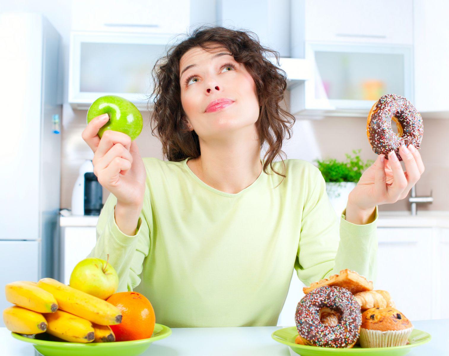Nên kiêng ăn thức ăn cứng, đồ ăn gây kích thích răng để hàn răng hiệu quả