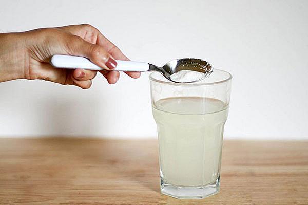 cách lấy cao răng bằng dầu dừa 2