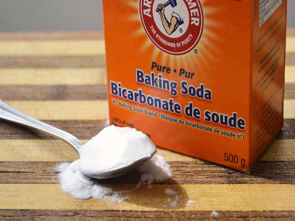 cách làm trắng răng tại nhà bằng baking soda
