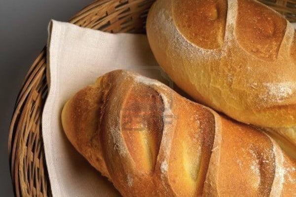 lấy cao răng bằng bánh mì 1