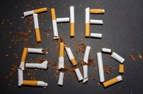 tuổi thọ của răng sứ sẽ kéo dài nếu bạn ngừng việc hút thuốc lá