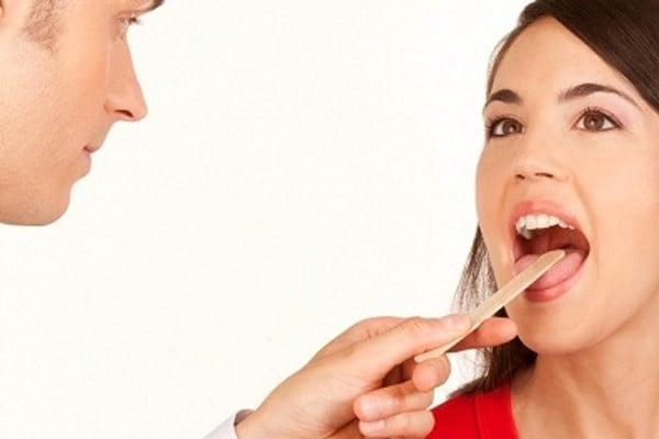 Nhiệt miệng ở người lớn và ung thư lưỡi Cách phân biệt chính xác