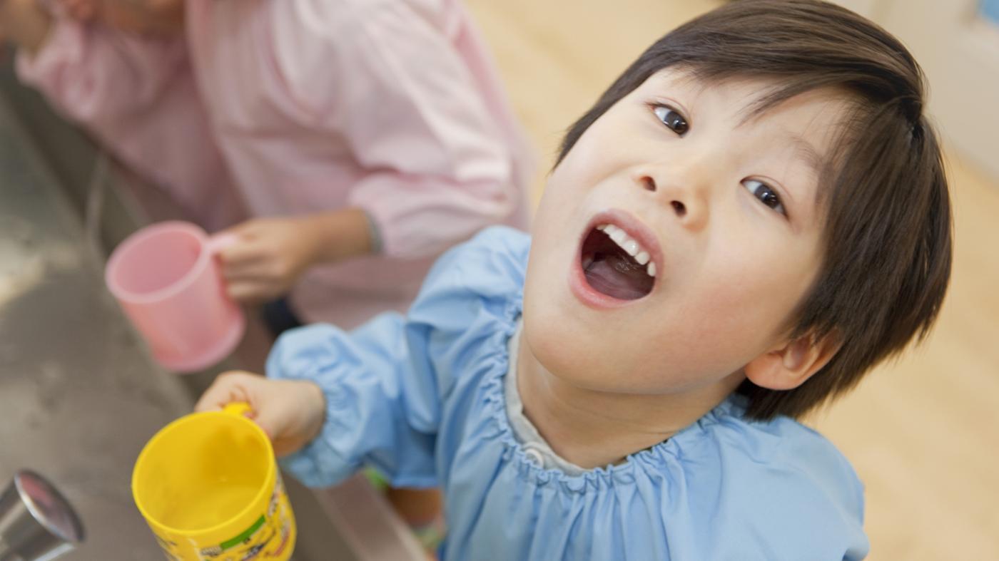 5 Mẹo chữa nhiệt miệng ở trẻ em AN TOÀN bằng phương pháp dân gian 5