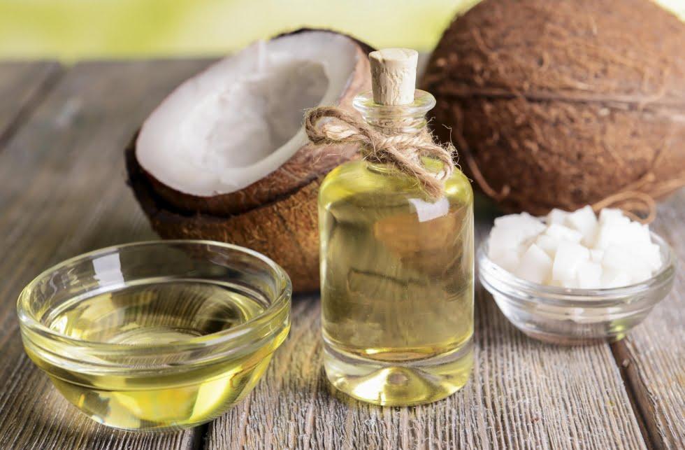 trị hôi miệng bằng dầu dừa