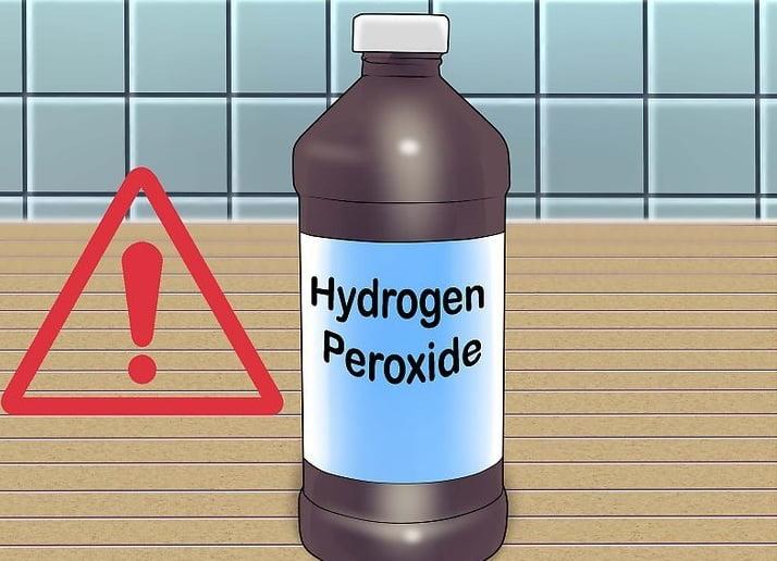 trị bệnh hôi miệng với hydrogen peroxide