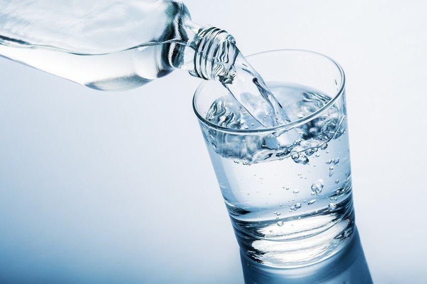 uống nước lọc thường xuyên