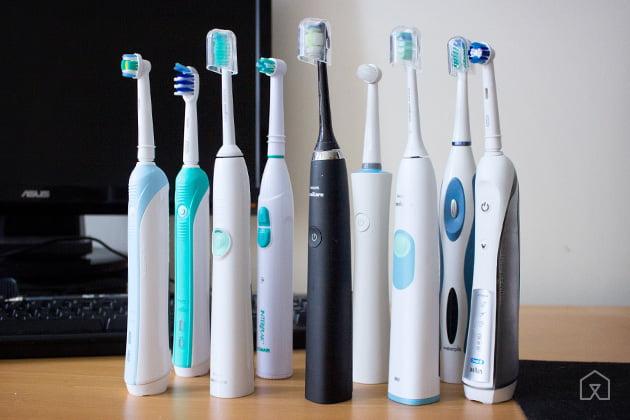 Sử dụng bàn chải điện giúp loại bỏ 80% cao răng nhanh chóng