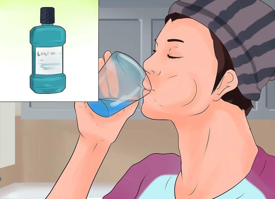 Sử dụng nước súc miệng là cách trị hôi miệng nhanh nhất