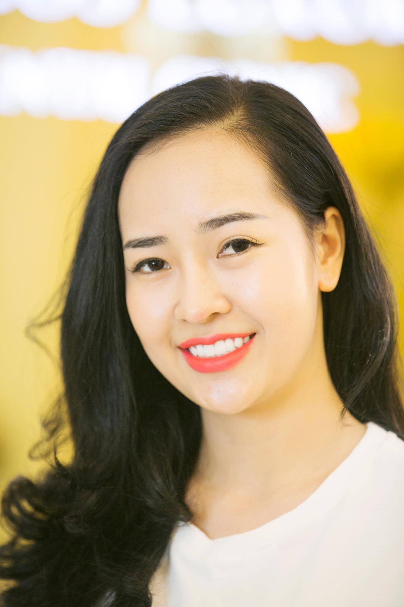 Hàm răng trắng sáng, nụ cười tự tin sau khi làm răng sứ