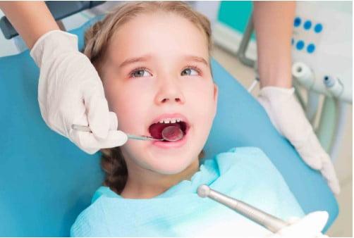nhổ răng cho trẻ em ở nha khoa