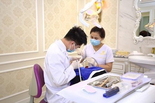 Nhổ răng khôn hàm trên có nguy hiểm không?