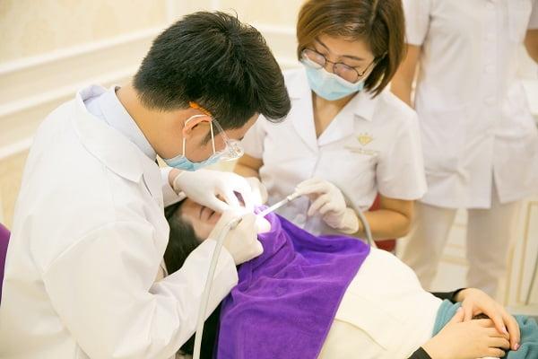 chữa viêm nha chu tại nha khoa